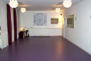 stuttgart-grosser-yogaraum